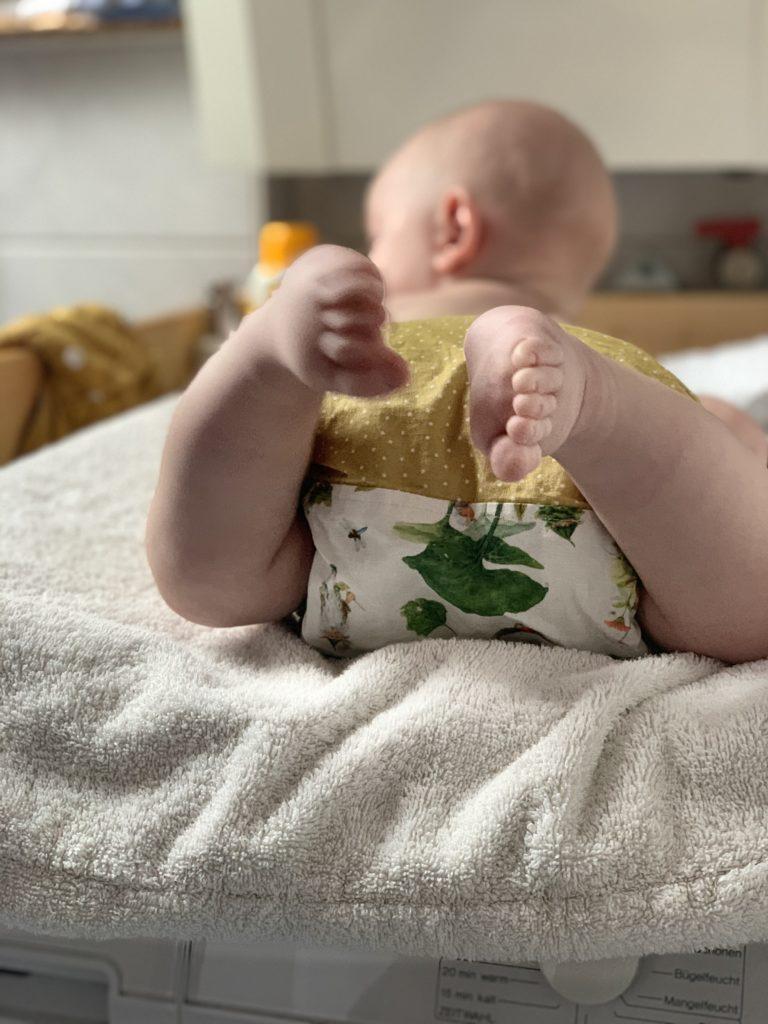 Stoffwindeln sind eine Möglichkeit zum nachhaltig(er)en Leben mit Baby und Kleinkind